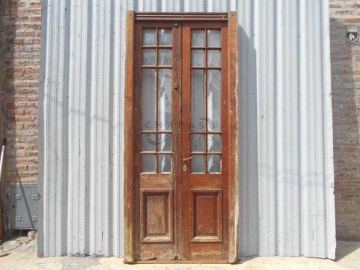Antigua puerta cancel de madera en cedro