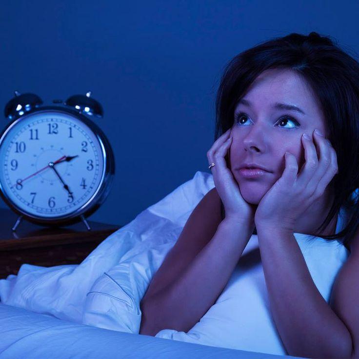 Uyuma sorunu yaşıyorsanız; kafein kullanımını azaltın, yatak odanızı karanlık ve sessiz bir hale getirin, yatağınızda televizyon izlemek ya da kitap okumak gibi aktiviteler yapmayın ve gün içerisinde uyumamaya çalışın.  #kudretinternational #hastane #saglik #ankara #turkiye #turkey