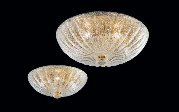 93/40 Lampada da soffitto diam. 40cm  Lampada da soffitto (plafone o plafoniera) con montatura color oro e vetro trasparente del diametro di 40 centimetri.