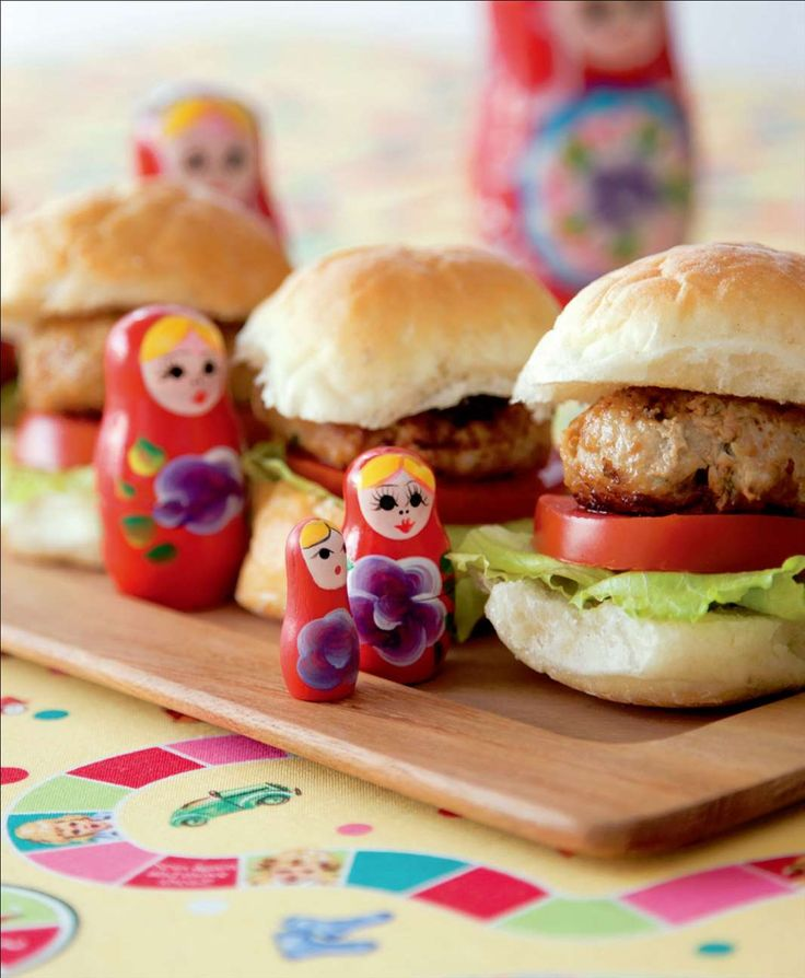 Yummy mini burgers by Sabrina Parrini from Little Kitchen | Cooked