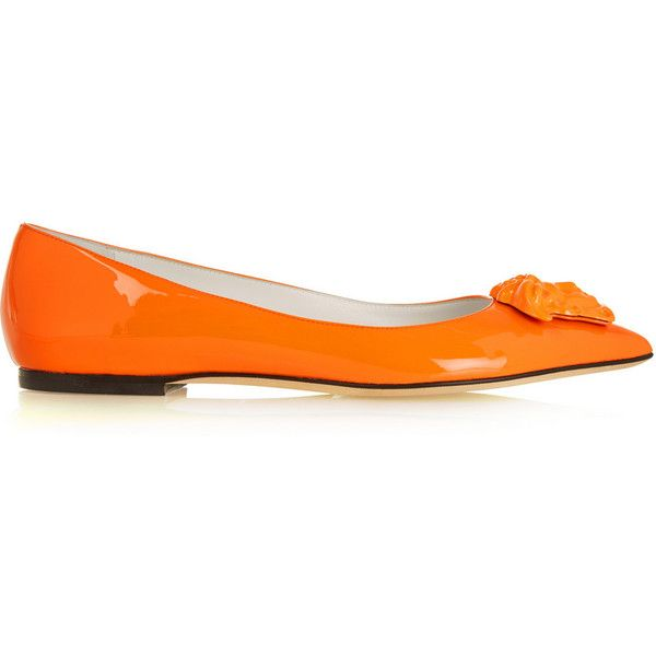 Versace Plaque-embellished patent-leather ballet flats (£360) ❤ liked on Polyvore featuring shoes, flats, jewelry, versace, orange, patent ballet flats, flat shoes, orange flats, pointy-toe flats and slip on shoes