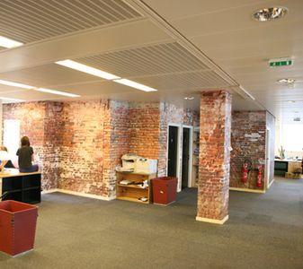 Offices /      incréation           •     revêtement mural et papier peint sur mesure
