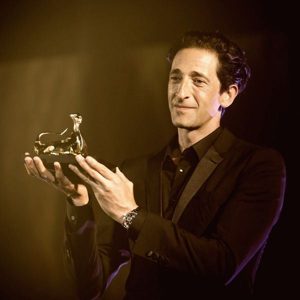 Adrien Brody Photos - This image was processed using digital filters) Actor Adrien Brody receives the Pardo Life Achievement Award during the 70th Locarno Film Festival on August 4, 2017 in Locarno, Switzerland. - Instant Views - 70th Locarno Film Festival