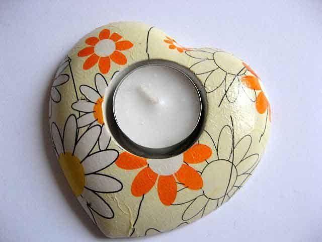 #Suport #lumanare #inima #flori #monocrom, #alb, #galben si #portocaliu, suport lumanare. Produs #lucrat #manual categoria #decoratiuni #casa si #gradina. Suport din #ipsos. http://handmade.luxdesign28.ro/produs/suport-lumanare-inima-flori-monocrom-alb-galben-si-portocaliu-suport-lumanare-19980/