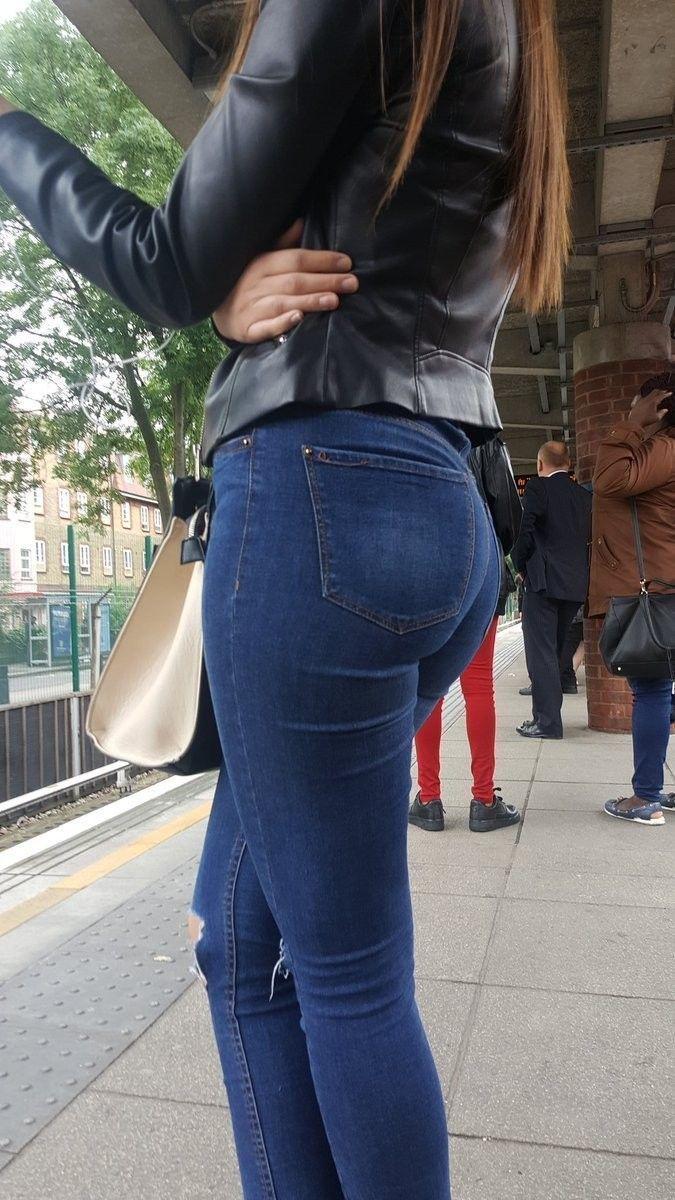 cc9fc82268fbe Pin de Fernando en Jeans ajustados en 2019