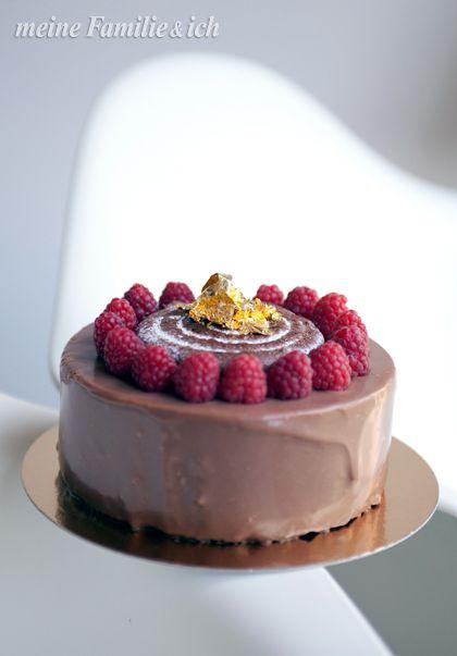 Schokomousse-Torte / Rezept: http://www.daskochrezept.de/rezepte/schokomousse-torte_257261.html