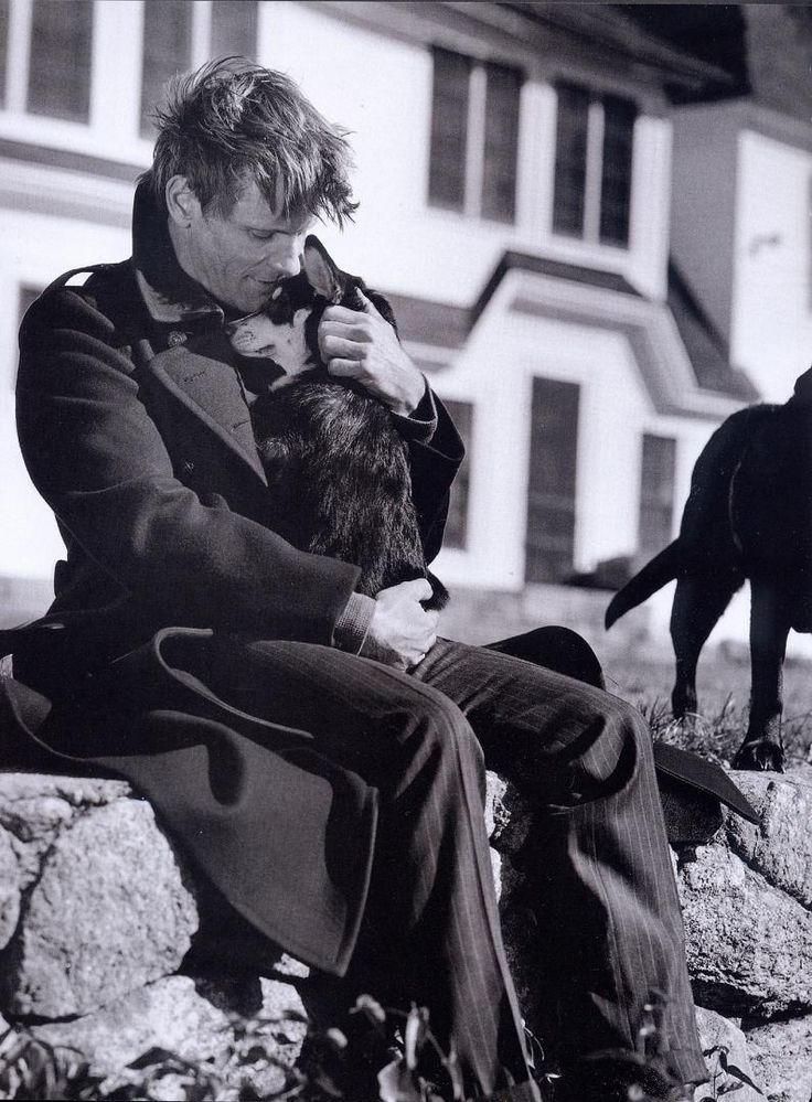 Awww, Viggo Mortensen keeping a dog warm...For a chance to meet him, vote for…
