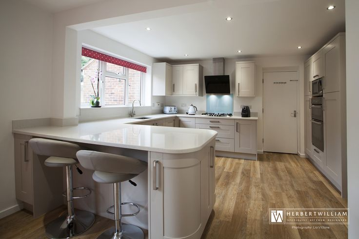 This kitchen was designed for a small family in Lyndhurst, Hampshire. The clients were recommended to Herbert William through a friend. They wished to knock through their Kitchen and Dining room space to make one larger space. Herbert William undertook this project from the wall removal right through to the finished floor!
