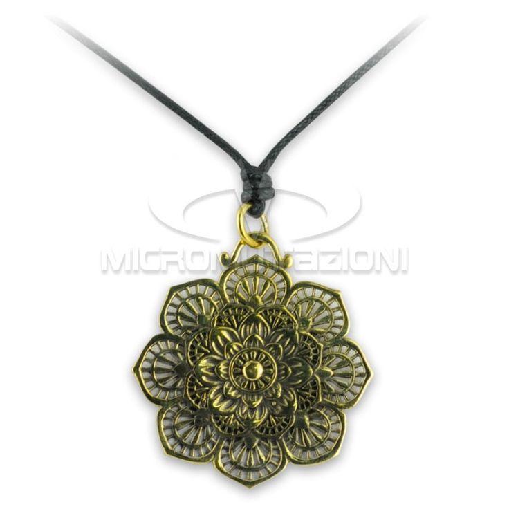 Collana Micromutazioni in Ottone, Artigianale lavorata a mano con laccio regolabile e pendente con disegno floreale. Made in Italy di Micromutazioni su Etsy