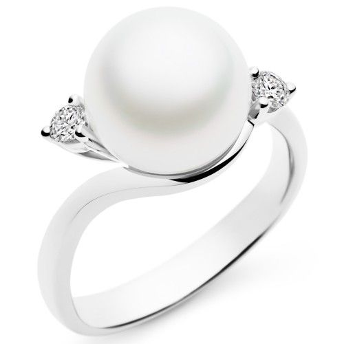 A Kailis Australian South Sea pearl set in an 18ct gold and diamond Embrace ring. View our collection of pearl and antique jewellery at www.rutherford.com.au
