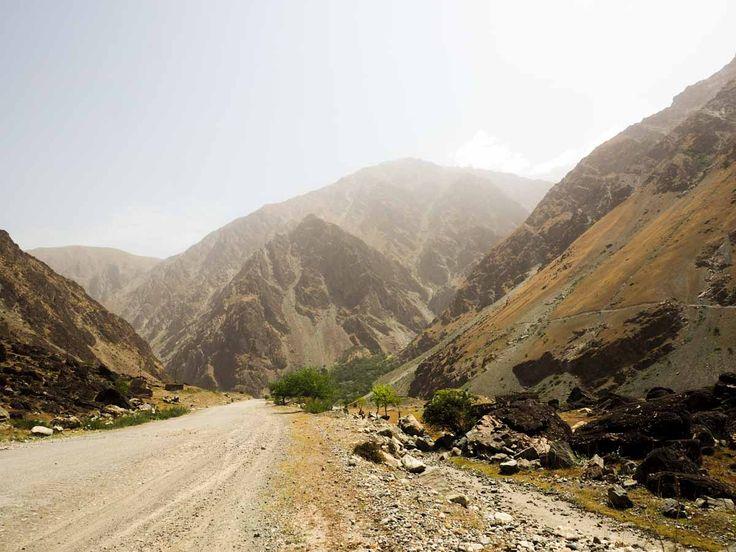 Unterwegs auf dem Pamir Highway durch Tadschikistan.