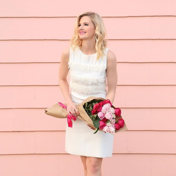 Love is in the air on the #LoveReese blog 💕 The lovely @ashleybrookedesigns shares her super sweet and flirty #ValentinesDay date look 💗 Link in bio xo