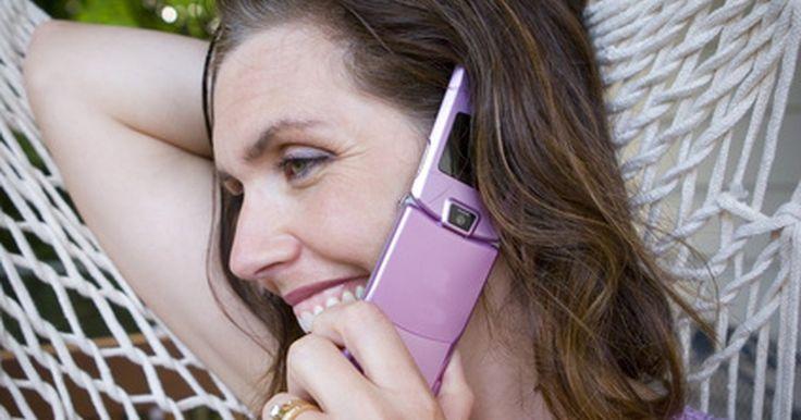 Cómo desviar llamadas de teléfono celular desde otro número. Desviar llamadas de teléfonos celulares desde otro número puede ser muy conveniente cuando no tienes contigo el celular y quieres recibir todas tus llamadas. La redirección de llamadas es una función que permite al usuario desviar llamadas desde un número a otro. Si bien no todos los modelos de teléfono celular tienen integrada esta función, la ...