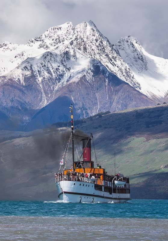 """Tooth Peaks from Lake Wakatipu (Queenstown) S.I. New Zealand. Mid picture is the steamer Earnslaw """"The Lady of The Lake. (curation & caption: @BillGP)"""