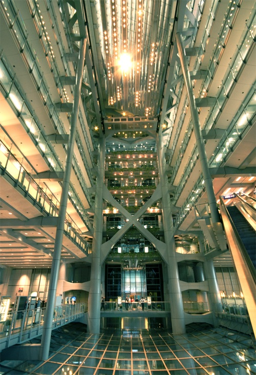 Interior of the hsbc building hong kong architect for Hong kong architecture firms