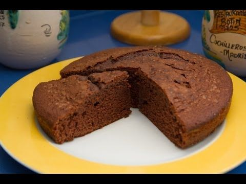 ▶ Riquisimo Bizcocho de Chocolate Basico - YouTube