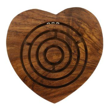 Bola de madera juguete juego laberinto en forma de coraz n for Bola juguete