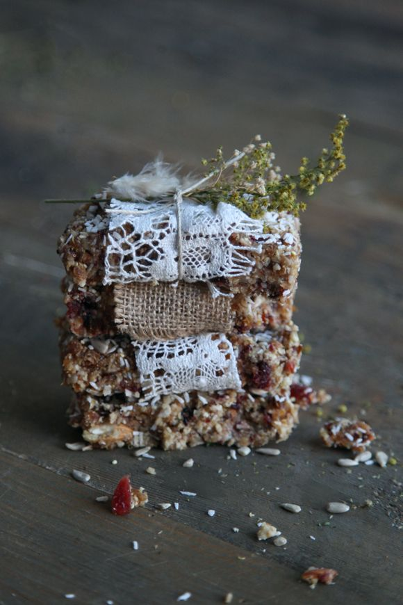 Quinoa Fruit & Nut Bars (Vegan & Gluten-Free) | Free People Blog