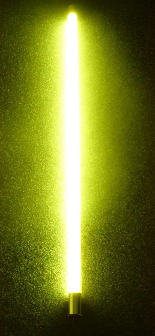 Gelber Leuchtstab mit LED Röhren im Kunststoffrohr als Leuchtstab. Ob Messen Events Partys oder Disco Veranstaltung, damit erzeugen Sie die passende Stimmung. Energiesparende LED Röhre T8 mit Länge 1,20m und 1,45m Anschluss Kabel mit Eurostecker schwarz. Diese LED hat 18 Watt und 1800 Lumen. Damit sparen Sie ca. 50% der Stromkosten.  Technische Daten LED Röhre: - Anschluss: 230V/50Hz - Sockel: T8 - Lichtstärke: 1800 Lumen - Verbrauch: 18 Watt  - Farb-Temperatur: 6500 Kelvin