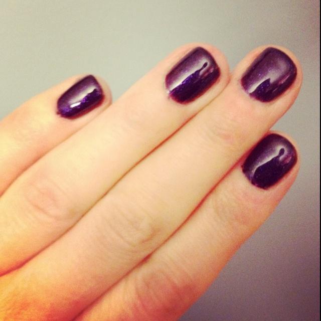 OPI no chip manicure in Grape.