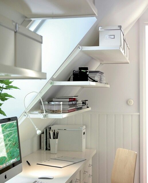 cool shelves, great use of space! Def going to do this since my office will be upstairs with pitched ceilings!