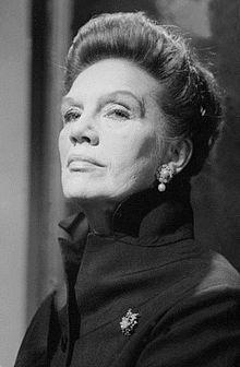 Elisabeth Flickenschildt (* 16. März 1905 in Blankenese; † 26. Oktober 1977 in Guderhandviertel bei Stade) war eine deutsche Bühnen- und Filmschauspielerin.