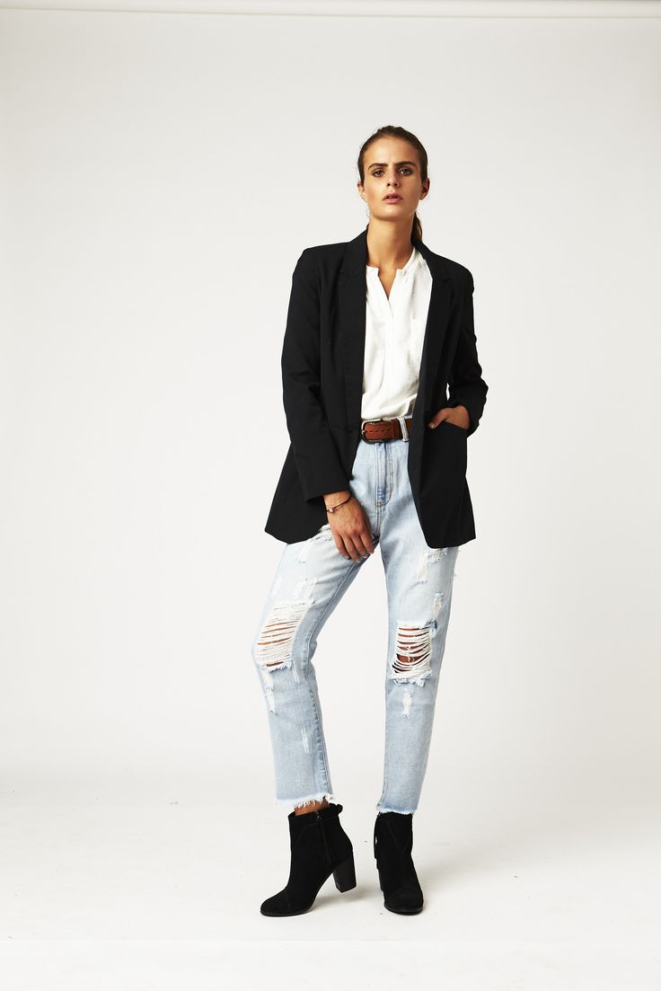 Carousel Essentials - Relaxed Jean Ripped