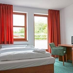 Sporthotel - Hostivice  sporthotelhostivice.cz Hotel 3*