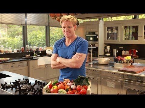 Домашняя кухня Гордона Рамзи, 11. Американская кухня. - YouTube  Яичница на подложке из
