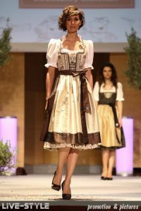 1000 images about dirndl dirndls dirndls op pinterest dirndl oranje en producten. Black Bedroom Furniture Sets. Home Design Ideas