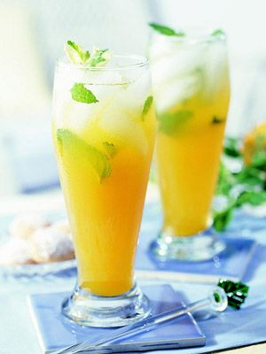 Peach-Mint Green Tea Peach nectar and mint flavor green tea in this refreshing sweetened summer drink recipe.