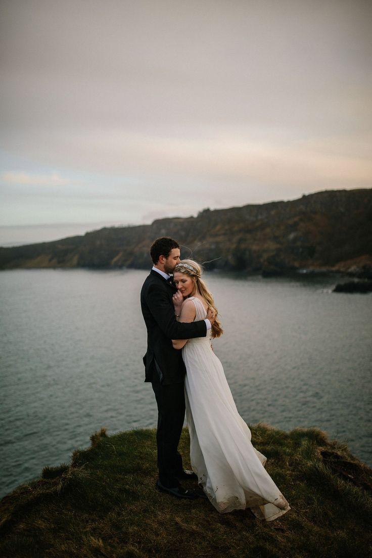 Irish Castle elopement. Causeway Coast Elopements in Northern Ireland #adventureelopement #couplegoals #elopement #dunlucecastle