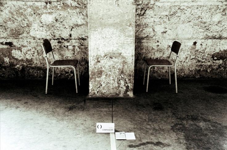Sedia Cosa Caso - Conceptual art exhibit
