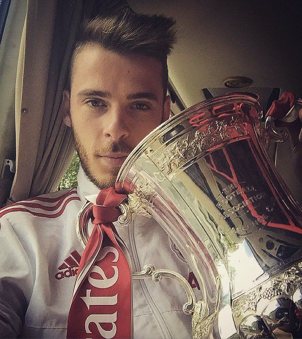 David de Gea with the FA Cup