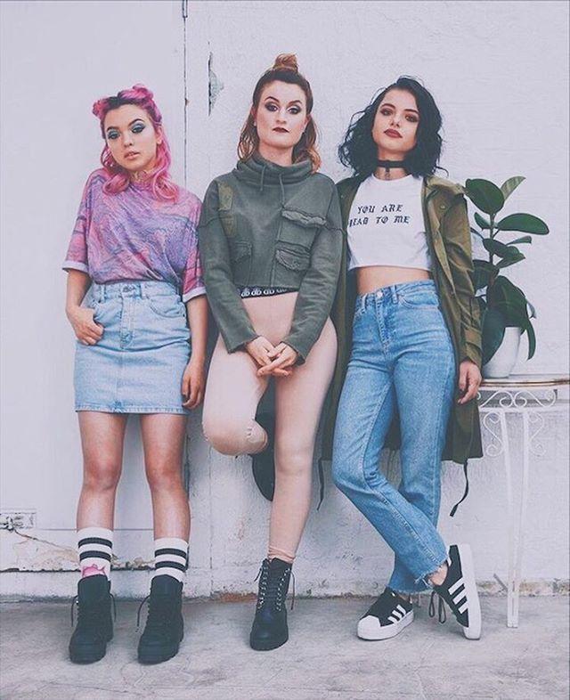 """rena lovelis (@renalovelis) auf Instagram: """"we're just girls breakin' hearts"""""""