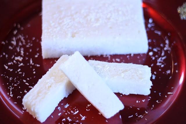 Turrón de coco casero en el blog de Cucharita de palo #nestlebloggers #recetas