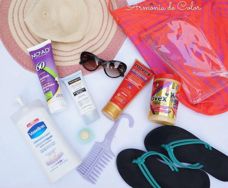 Esenciales para los días de sol y playa   1) Bolso y sandalias @roxy  2) Pamela  3) Lentes de sol @Kennethcole  4) Peine para desenredar el cabello.  5) Protector solar de 60 fps en adelante @neutrogena  6) Crema hidratante para el cuerpo @vaselinebrand 7) Baño de crema y protector térmico para el cabello @embellezela  8) Bálsamo labial #EOS #esenciales  #vacaciones #playa