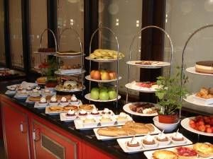 dessert buffet ideas beverage table ideas home idea gallery food beverage table ideas