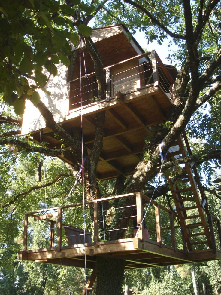 From Vermont to Italy, these treehouses inject exotic style into any milieu.