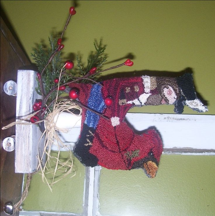https://www.etsy.com/listing/255085743/christmas-punch-needle-make-doornament?ref=shop_home_active_14