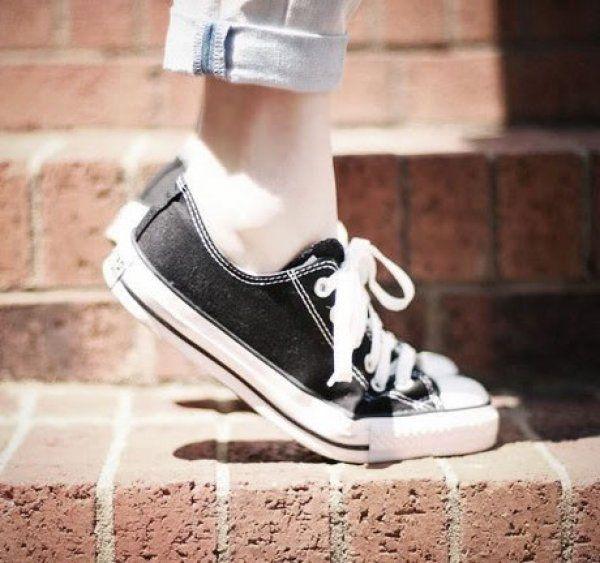 Δυσοσμία παπουτσιών; Το απόλυτο κόλπο για να εξαφανίσετε την άσχημη μυρωδιά