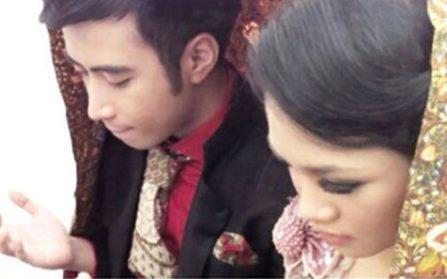 SelebNews.com - Lihat koleksi foto selebriti terbaru dari SelebNews!: Hot Gossip: Vidi Aldiano dan Andien Diam-diam Menikah!