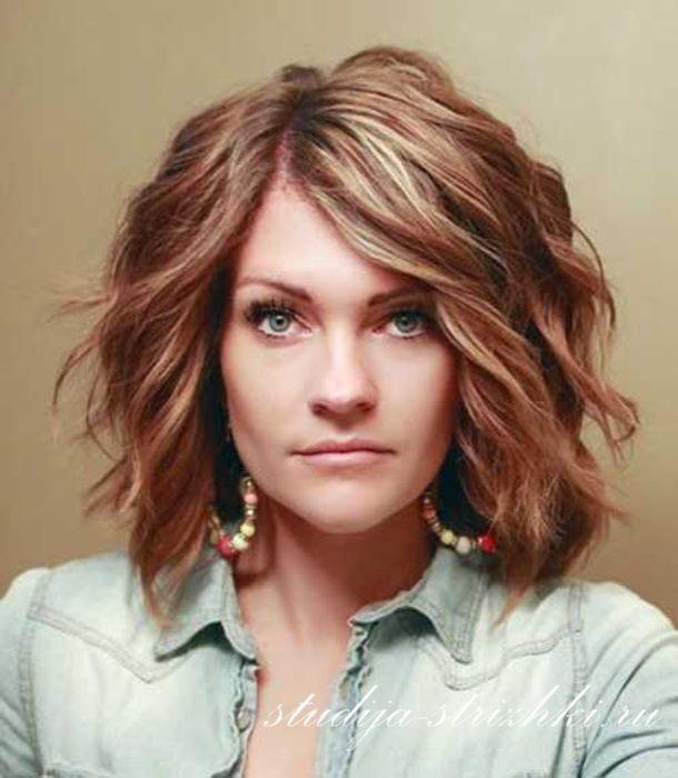 Укладка волос на женскую стрижку Каре