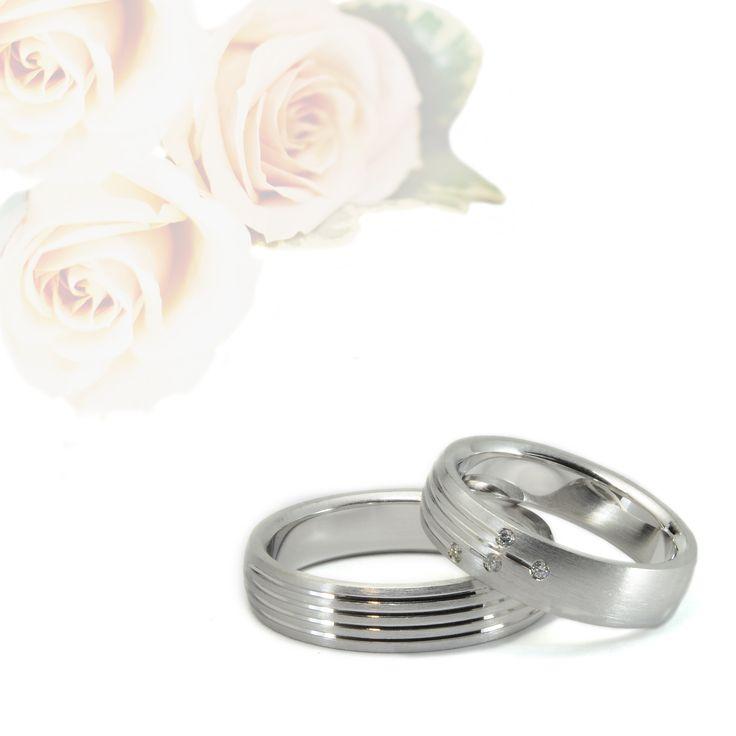 Fedi matrimoniali in oro bianco 18 kt #18ktgold #ororosa #orogiallo #orobianco #carinigioielli #gioielleria #gioielli #diamanti #handmade #etsyjewelry #whitegold #yellowgold #rosegold #sapphire #diamonds #naturaldiamonds #wedding #weddingbands