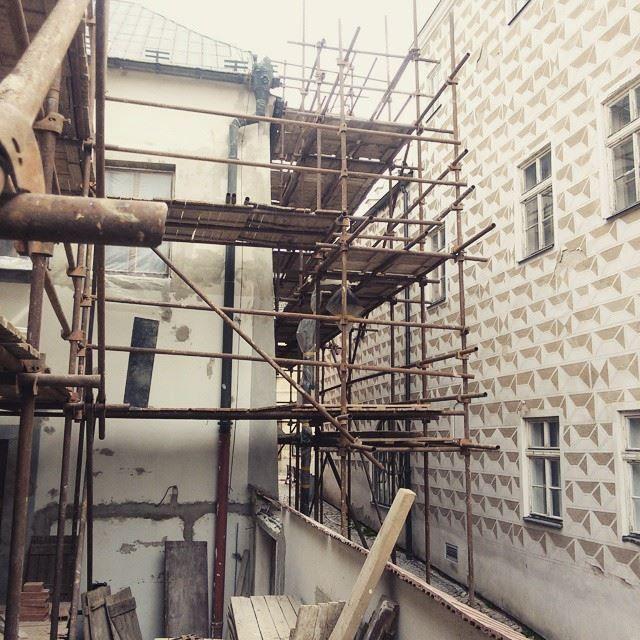 Facelifting #fasade #thirwinebar #reconstruction http://thir.cz/