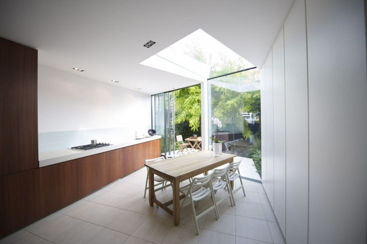 Faceted House, a Modern Rear Extension to an Old London Townhouse. Interior 1