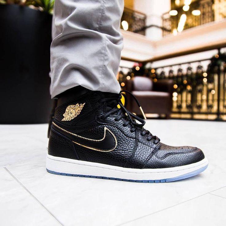 Nike air jordan 1 retro high og - black, gold & white trainers in