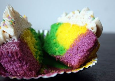 Mardi Gras Cup Cakes (Or any other holiday/party cupcakes if you change the colors!)