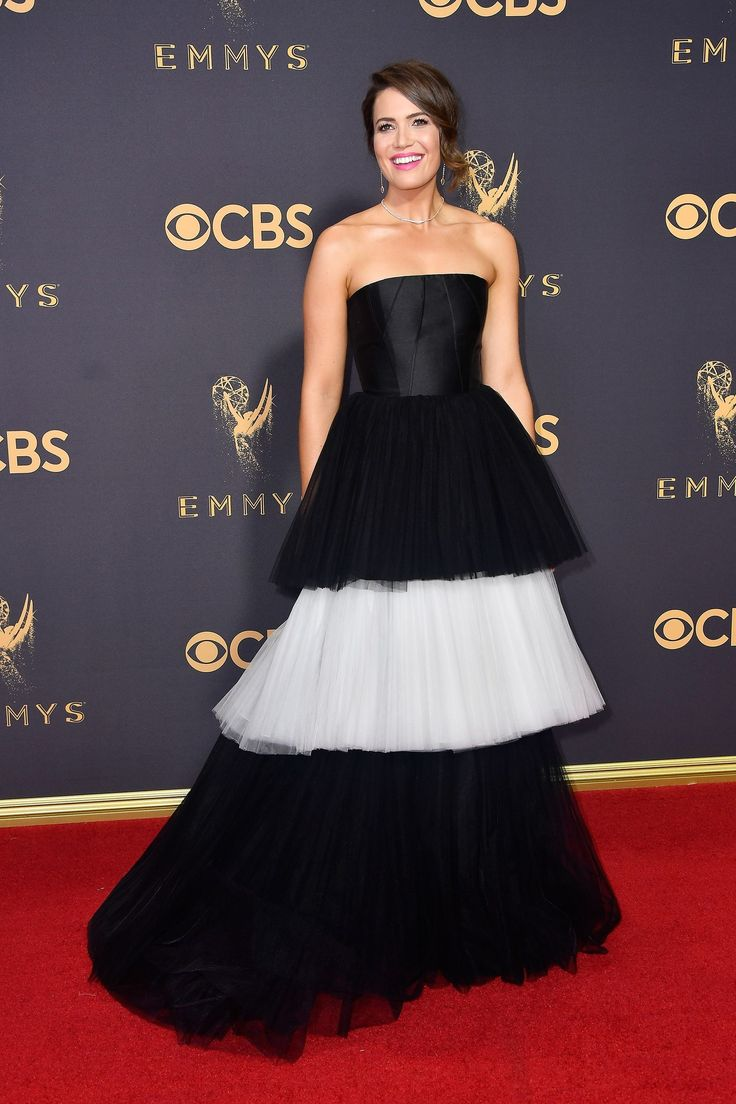 The Best Red Carpet Dresses at the 2017 Emmy Awards