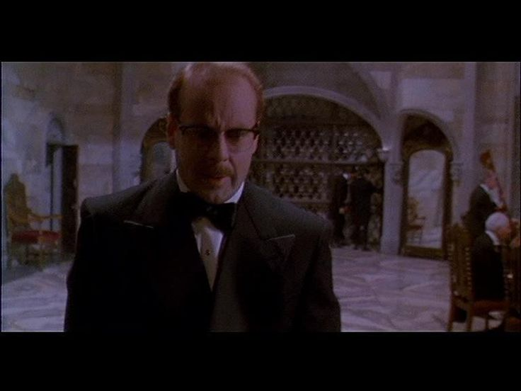 Bruce Willis as Dr. Ernest Menville in 'Death Becomes Her'